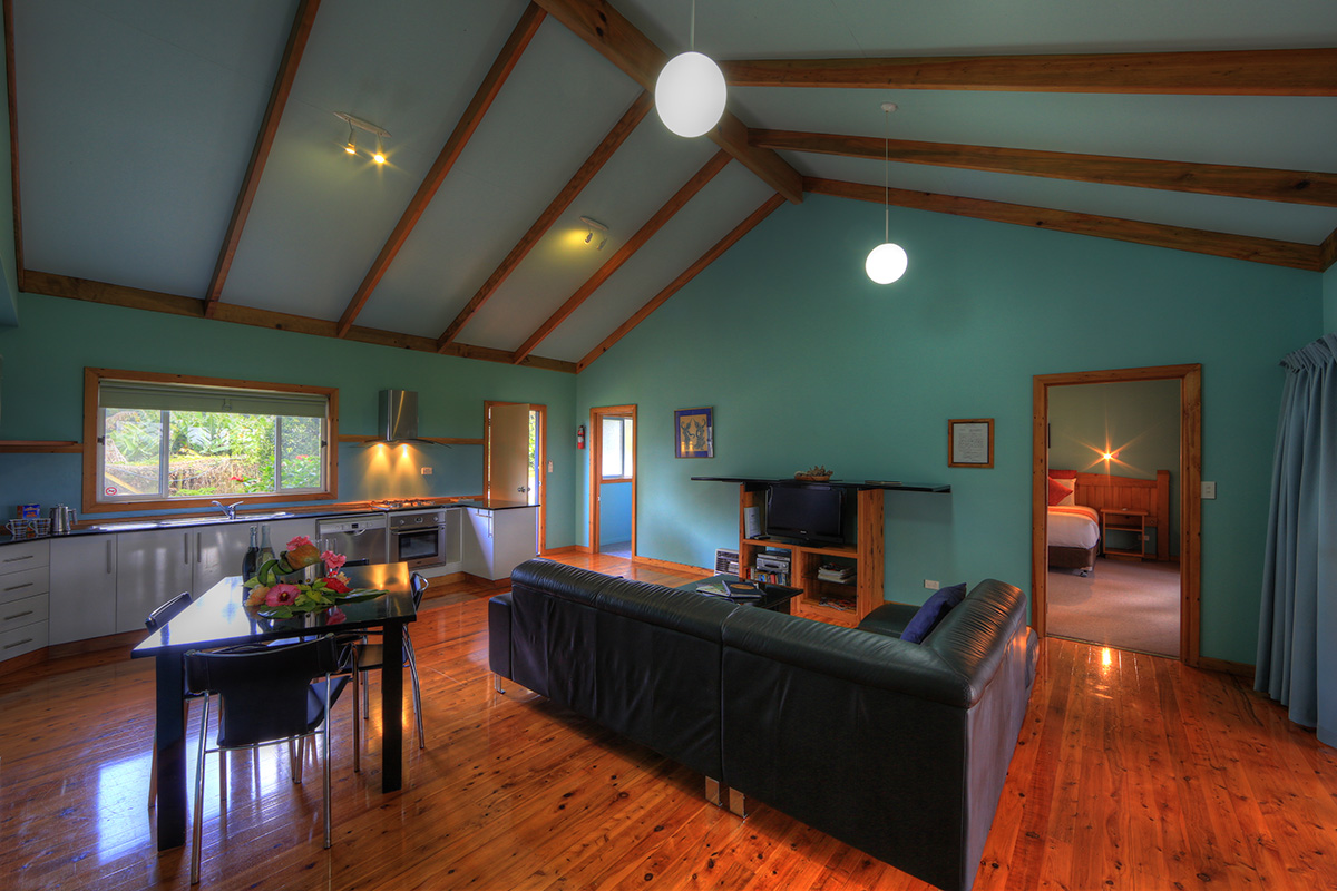 1 bedroom holiday cottage living space