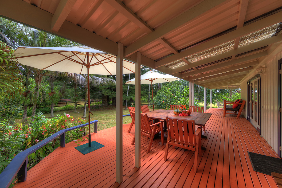 3 bedroom house deck
